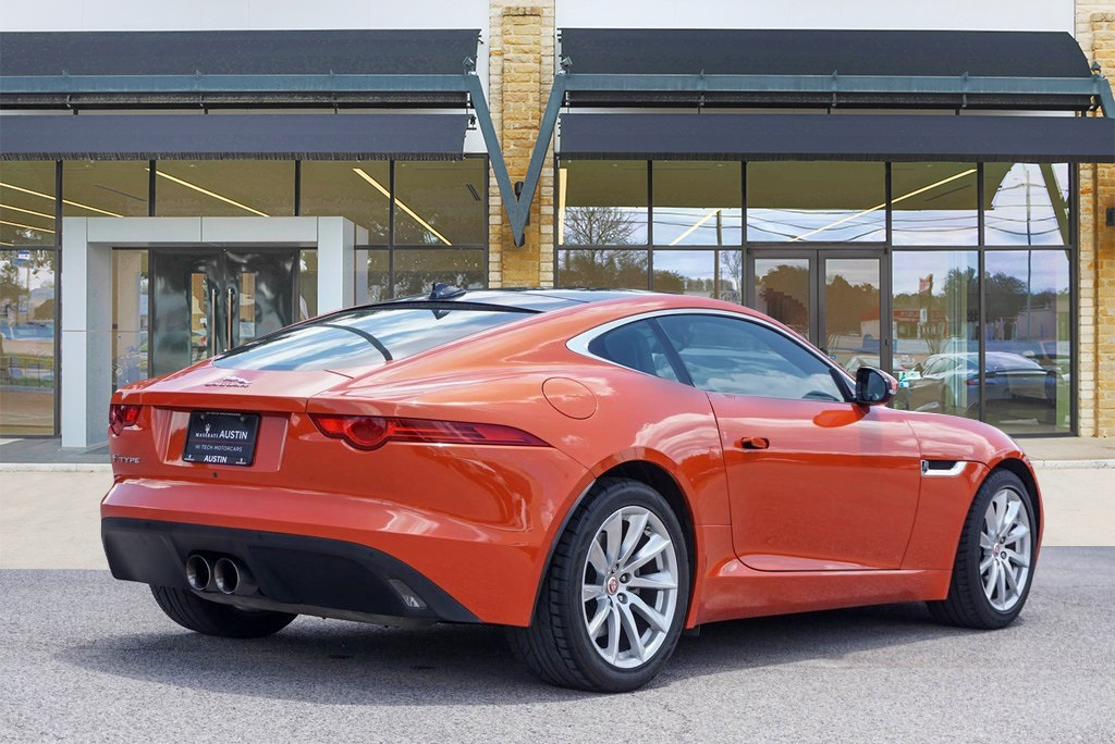Pre-Owned 2016 Jaguar F-TYPE Base